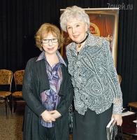 Вера Васильева и Лия Ахеджакова на презентации телеканала «Театр» в Доме актера, 23 марта 2011 г.